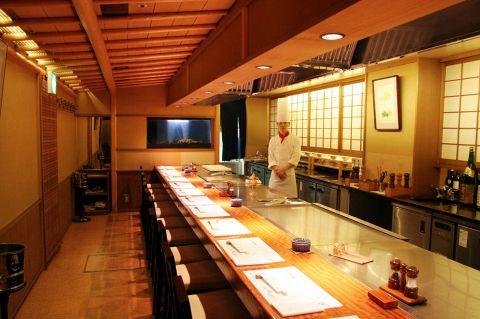 かにと肉の鉄板焼き蟹遊亭 (かいゆうてい) 名古屋店