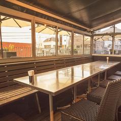 テント席は夏はスポットエアコン、冬は電気ヒーターを完備!