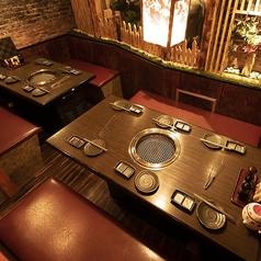 【2F・4名様席×2】8名様でもお使いいただける半個室は中人数の宴会にも最適◎大人数でのご利用もお待ちしております。