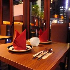デートにも◎落ち着いたテーブルのお席です。