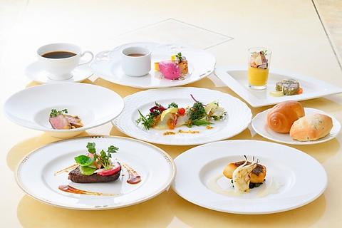 【Lunch&Dinner】Pastoral〜パストラル〜/白身魚のポワレ/選べるメインのお肉料理…全8品3600円
