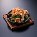 料理メニュー写真十勝鶏の一口ステーキ カリカリ牛蒡のせ