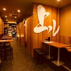 日本酒のショーケース前でじっくりお選び頂けます♪