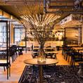 広々とした空間・ソーシャルディスタンス、アルコールの設置、換気などコロナ対策を意識した食事空間で、安心してお食事をしていただけます。