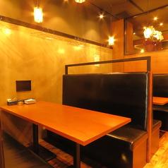 落ち着いたBOX席は、家族連れにもおすすめ☆変わり串をはじめデザートや〆まで充実♪各種宴会・パーティーなどに!コースで自慢の焼き鳥を楽しめる♪