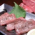 魚だけではなく、能登牛もご堪能頂けます。A5能登牛炙りや、新鮮な魚介と能登牛が一緒に楽しめる海鮮牛丼などもございます。