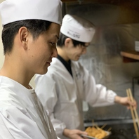 たこ焼き、串かつ 専門の職人が熟練の技でおもてなし