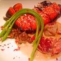 料理メニュー写真オマールエビのロースト、ビスクソース