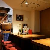 奥のバル風テーブル席はサクッと飲みたいときにも◎バルの雰囲気を楽しみたいなんて時はお越しください♪