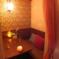 秘密の部屋はソファー席にクッションとお祝いのお食事や女子会、誕生日会などにぴったりのゆったりとしたスペースです♪【個室 町田 飲み放題 誕生日】