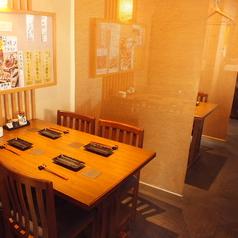 2名様~4名様まで対応可能なテーブル席