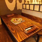 【2F肉バルフロア】オシャレな店内で女子会、カップル、友人との集いなど多様シーンにピッタリのフロア☆お写真は5名席!