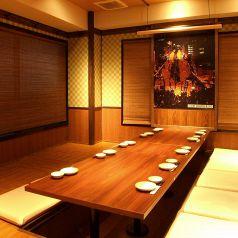 少人数から大人数でのお食事にも!各種個室席を取り揃えています。シーンに応じて様々なお席をご用意させて頂きます! ※画像は系列店