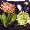料理メニュー写真冷やっこ/えだ豆/大根の漬物/オクラの浅漬け/漬け盛