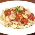 料理メニュー写真海老とツナのピリ辛トマトソース