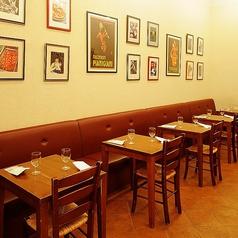 本場イタリアの街中にあるピッツェリアを思わす、カジュアルな空間にお客様の楽しそうな笑い声と、当店スタッフの元気な声が響きます♪テーブル席なので、人数に合わせてお席を調整可能です。名古屋/貸切/女子会/記念日/歓送迎会/ディナー/ランチ/デート/パーティー
