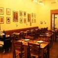 おしゃれなインテリアも当店の自慢!白塗りの壁にレンガの赤茶色が映えるシンプルながら暖かな雰囲気の店内。本場イタリアの街中にあるピッツェリアを思わす、カジュアルな空間にお客様の楽しそうな笑い声と、当店スタッフの元気な声が響きます♪名古屋/イタリアン/貸切/ディナー