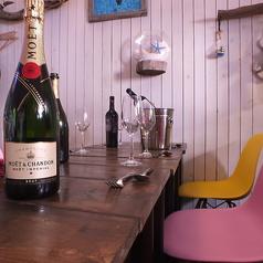 【2名用テーブル】デート・記念日のご利用には当店へ…♪美味しくて健康的な食事とこだわりの豊富なカクテルやワインをお楽しみいただけます。記念日・誕生日のご利用には無料でメッセージプレートがおススメです★