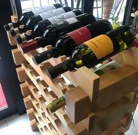 樽ワイン以外にも、約20種類のワインを常備!