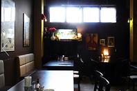 ゆったりとした空間でお食事をお楽しみください