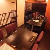 個室にもなる18~24名の2階席