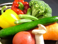 自社栽培の有機野菜を使用
