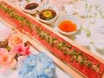 インスタ映えも間違い無し!!話題の50cmロングユッケ寿司☆ハーフサイズの25cmもございます。