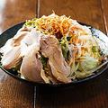 料理メニュー写真蒸し鶏のサラダ