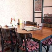 2F  テーブル席&半個室席。40名様以上で貸切に♪着席の場合は最大50名様まで、立食の場合は70名様まで対応!各種ご宴会、結婚式二次会にもオススメ!
