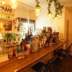 ミジンコ食堂では種類豊富なソファー席、テーブル席、カウンター席をご用意しています。御利用シーンにあわせてお好きなお席をお選びください♪【大船 飲み放題 鍋 貸切】