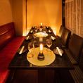 大小中の個室席を完備しておりますので、シチュエーションに合わせてぴったりの個室席へとご案内させていただきます。当店でしか味わえない素敵な夜をぜひお過ごしくださいませ。【新宿 完全個室 居酒屋 肉寿司 食べ放題 誕生日 記念日 焼肉】