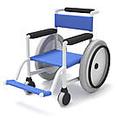バリアフリーを意識した店内設計、貸出用の車椅子やお子様用の椅子や食器、ベビーベッドやおむつ交換スペースなどを完備!