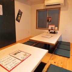 完全個室の3階は12名様までの個室で掘りごたつ式になっております。