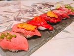 自慢の肉寿司6貫☆雲丹やいくらなど6種類の味が楽しめるオススメメニューです。