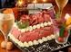お店で人気♪SNS投稿したくなる!迫力の肉ケーキ
