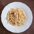 料理メニュー写真タリオリーニ 自家製スモークサーモンとポルチーニ茸のガーリック風味