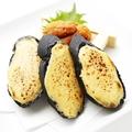 料理メニュー写真ウニトースト 竹炭のバケット