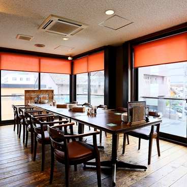 ビアレストラン旬感 ホテルアークビジネス内の雰囲気1