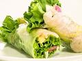 料理メニュー写真海老とアボカドの生春巻き
