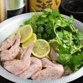 料理メニュー写真【春鍋】手羽先とパクチーのレモン鍋