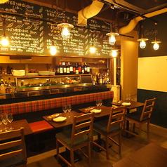 ワイン食堂 ホオバール 西新宿店の雰囲気1