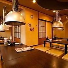 鶴橋で大人数での宴会にお困りならコリアンダイニング 李朝園 鶴橋店を是非ご利用下さい!2Fのスペースを最大32名様まで貸切ることが可能です。全座敷席となっておりますので、ゆったりとご宴会が楽しめます。当店オリジナルのサムギョプサルをはじめ、自慢の逸品料理をお楽しみください!女子会・合コン・歓送迎会も歓迎★