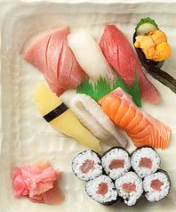 料理メニュー写真上寿司盛り合わせ