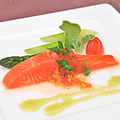 料理メニュー写真海の幸のサラダ南フランス風
