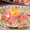 料理メニュー写真ユッケ風ローストビーフ