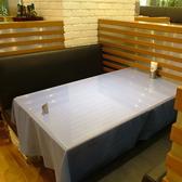 ご家族やお友達とのお食事に最適なソファ席