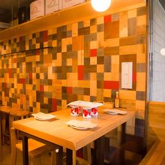アットホームでおしゃれな空間、美味しいワイン、大満足のお料理で仲間との会話も弾みます♪