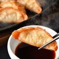 料理メニュー写真特製ダレの揚げ餃子