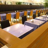 2人までご利用頂けるテーブル席は用途豊富