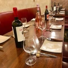大人数でのご宴会や飲み会などグループでのご利用にぴったりのテーブル席をご用意しております!テーブル席のセッティングも可能です。